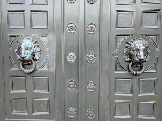 doors-2511638_640