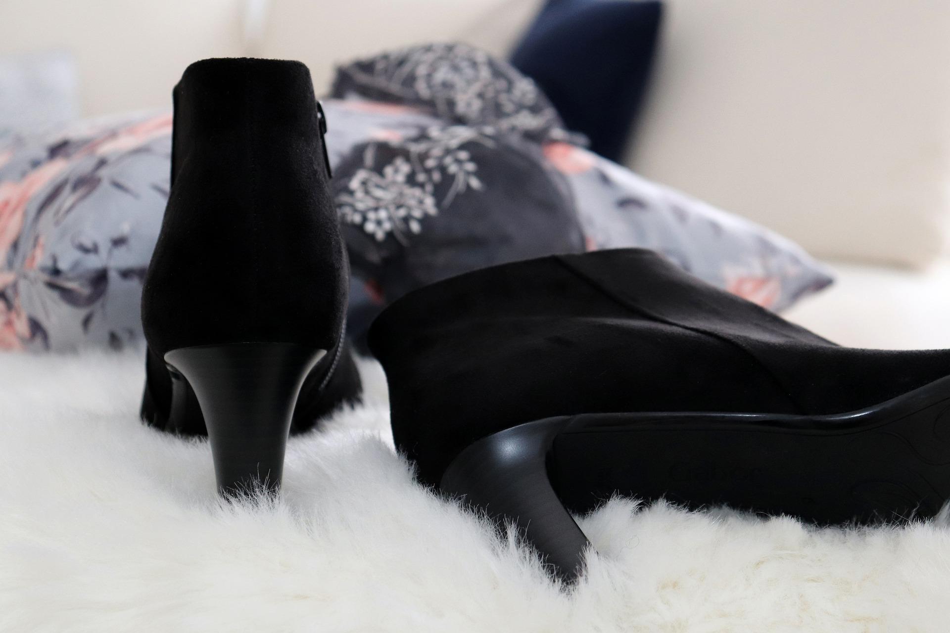shoe-4733757_1920